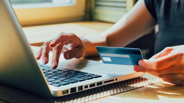 Noi norme privind taxa pe valoare adăugată pentru cumpărătorii din UE