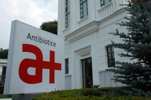 Reprezentanţii companiei 'Antibiotice' anunţă că îl vor da în judecată pe medicul Cîrstoveanu