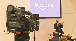 UniCredit lansează Buddybank, banca destinată utilizatorilor de telefoane mobile inteligente