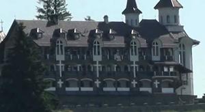 """""""Castelul lui Dracula"""" din Pasul Tihuţa este scos la vânzare pentru aproximativ 7 milioane euro"""