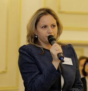 Claudia Sofianu (EY): Indemnizaţia aferentă concediului medical pre şi post natal ar putea scădea prin majorarea contribuţiilor