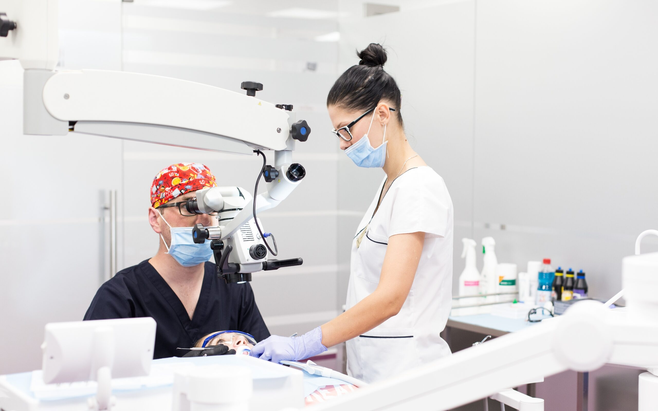 Fondul de investiții Equiliant Capital investește în rețeaua de clinici stomatologice Clinica Victoria
