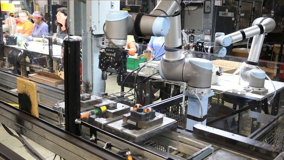 INACO: La fiecare 90 de angajaţi în industria globală funcţionează un robot