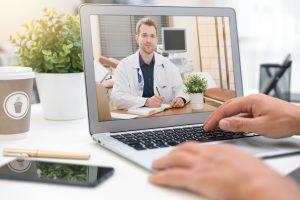 Nu mai puțin de 18 spitale din Capitală oferă consultaţii on-line