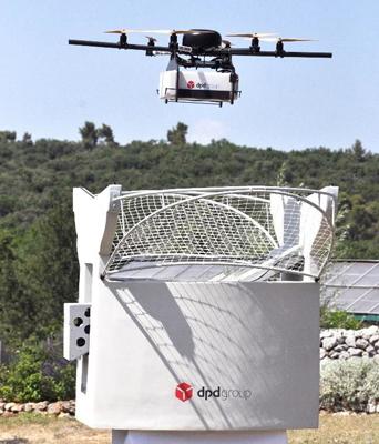 Curierat în era tehnologiei: livrările cu drone