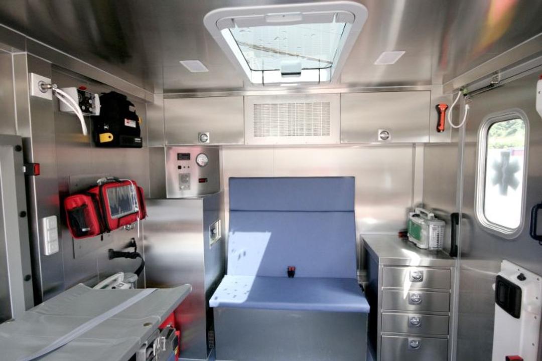 O companie clujeană poate produce ambulanțe pentru transportul pacienților infectați cu noul coronavirus