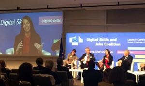 """Comisia Europeană a lansat Coaliția """"Digital Skills and Jobs"""" pentru a ajuta europenii în carieră și în viața de zi cu zi"""