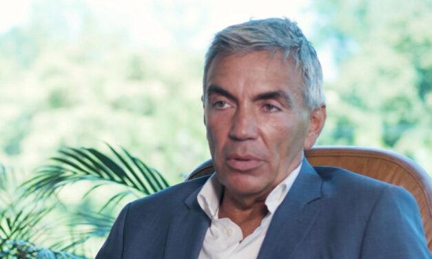 Dragoş Anastasiu (APT): Sunt anumite judeţe şi localităţi în care s-a oprit business-ul din nou