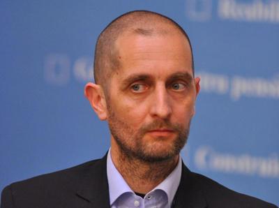 Dragoş Damian, director general Terapia Cluj: Cu 100 mil. euro, strângem o echipă de specialişti şi construim trei fabrici – de vaccinuri, de injectabile pentru ATI şi de alcool izopropilic