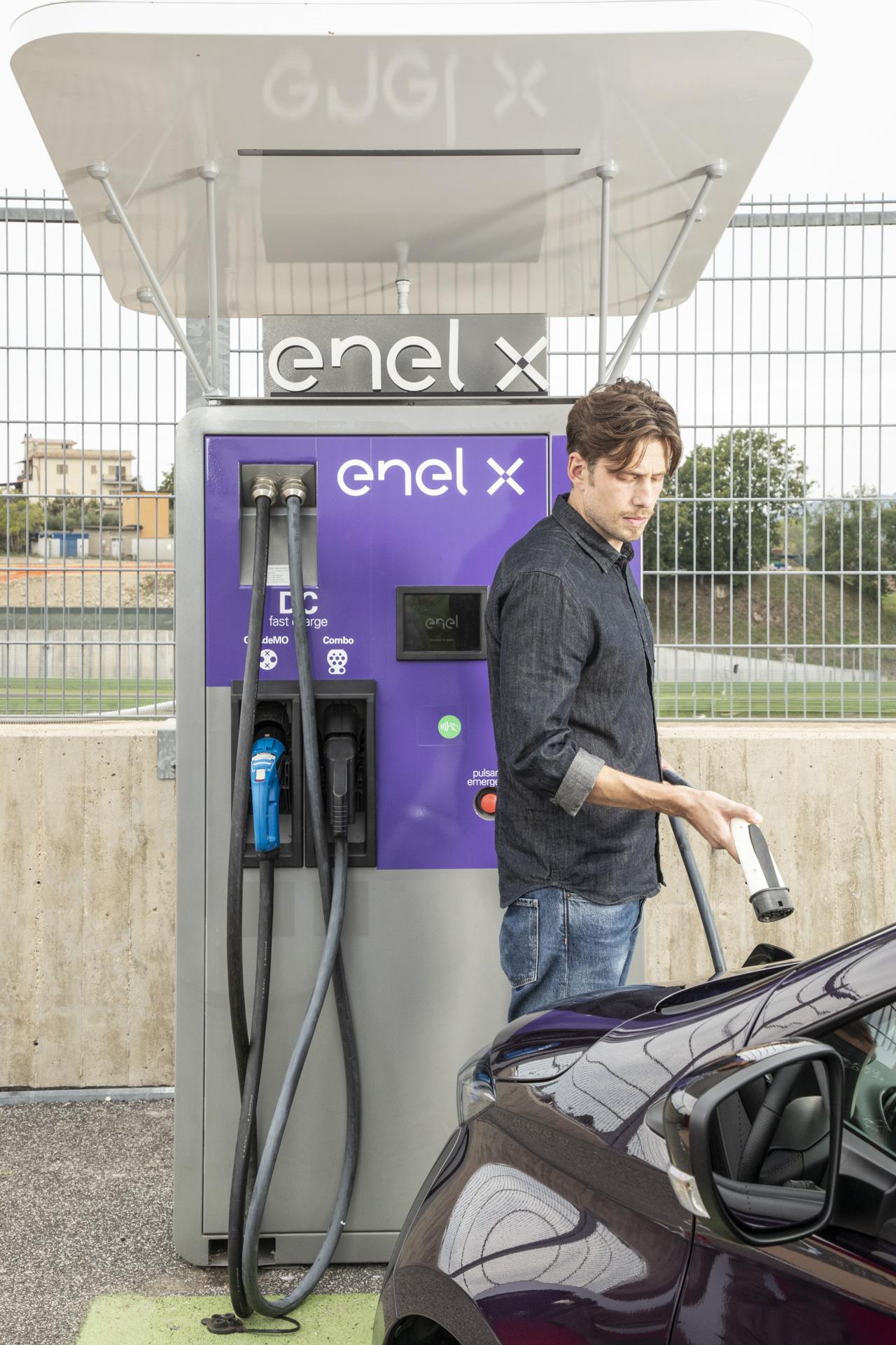 ENEL X România lansează rețeaua de puncte de încărcare a vehiculelor electrice în București și zonele limitrofe