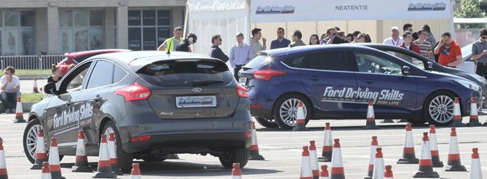 Ford România continuă programul de conducere preventivă şi prevenire a consumului de droguri în rândul liceenilor