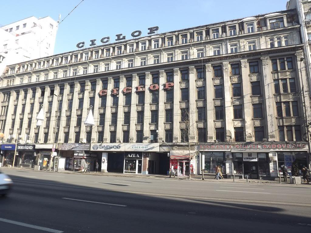 Garajul Ciclop și Cinematograful Scala, între clădirile scoase la licitaţie de Artmark