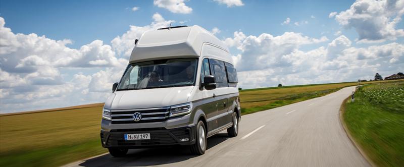 Volkswagen Grand California  model nou în clasa van-urilor de șase metri, dotat cu baie și zonă de dormit în spate