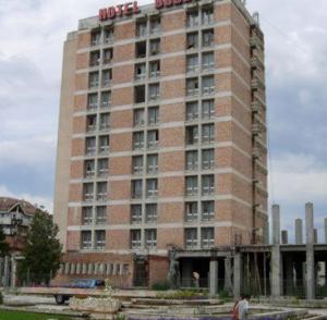 """Hotelul """"Bodoc"""" din Sfântu Gheorghe va fi scos la licitaţie în câteva săptămâni"""