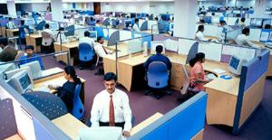 Guvernul are în vedere două variante pentru a rezolva situaţia angajaţilor din domeniul IT