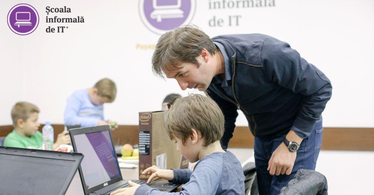 Peste 300 de echipamente IT dăruite copiilor de la țară de către Școala informală de IT și BCR în parteneriat cu ECOTIC
