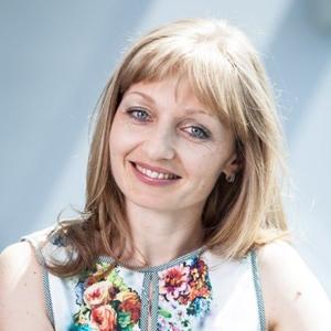 """Ioana Tănase: """"Antreprenorii reuşesc să găsească soluţii în situaţii dificile şi rareori îşi găsesc răgazul de a se întreba cum au reuşit"""""""