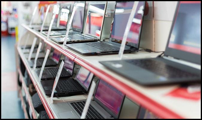 Redeschiderea şcolilor creşte vânzările de laptopuri, tablete şi camere web