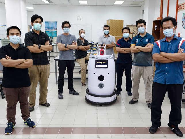 Un robot medical a fost creat în Malaezia pentru supravegherea pacienţilor cu COVID-19