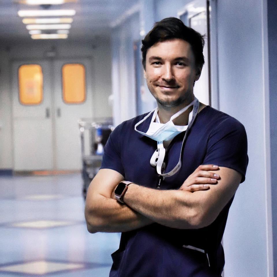 """Dr. Mihail Pautov: Cum """"omoară"""" săpunul COVID-19? Ce soluții NU sunt eficiente împotriva Coronavirus? Este util gelul dezinfectant? De ce ne spălăm pe mâini 20 de secunde?"""