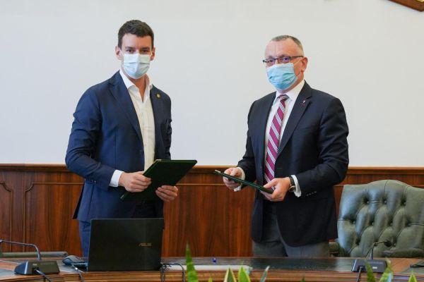 Norofert încheie un parteneriat cu USAMV Bucureşti pentru dezvoltarea unor soluţii inovative în agricultură