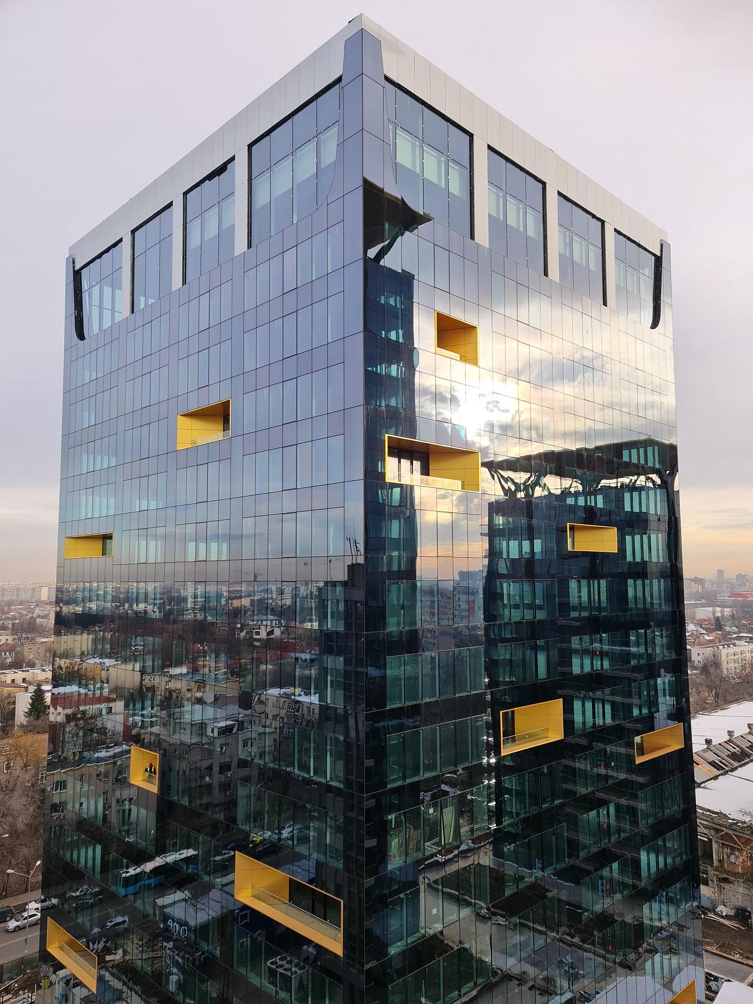 """One United Properties obține o finanțare de 50 de milioane de euro pentru dezvoltarea clădirii """"verzi"""" de birouri One Tower."""