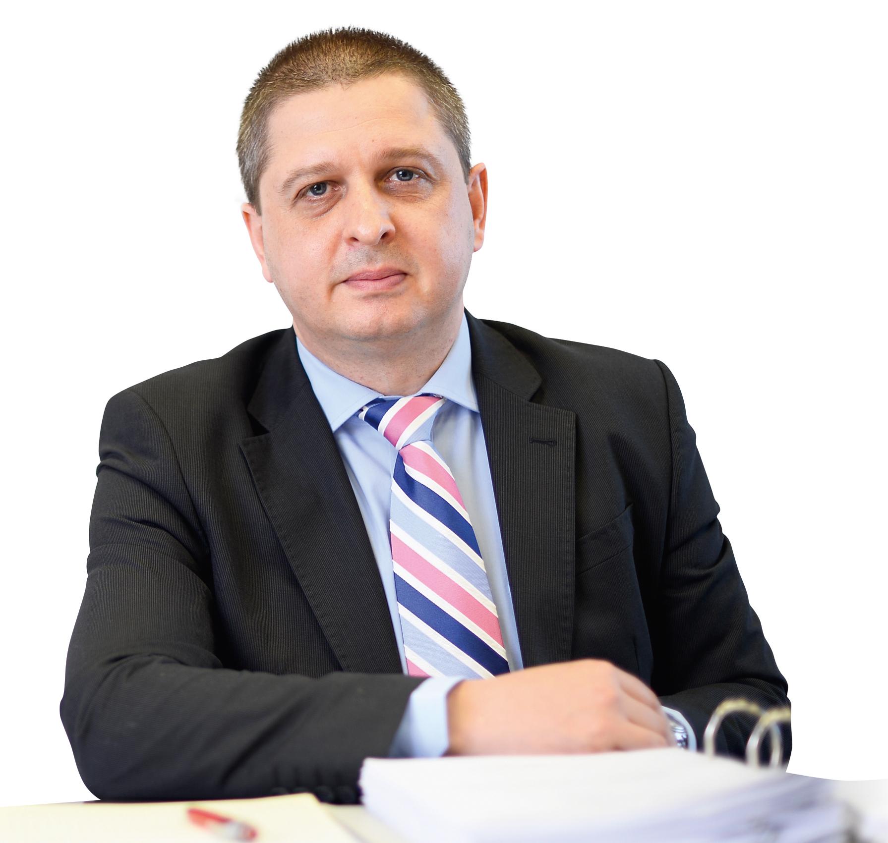 """Radu Ţibichi (CNAS): """"8,5 milioane de români contribuie la fondul de asigurări, beneficiază 18 milioane"""""""