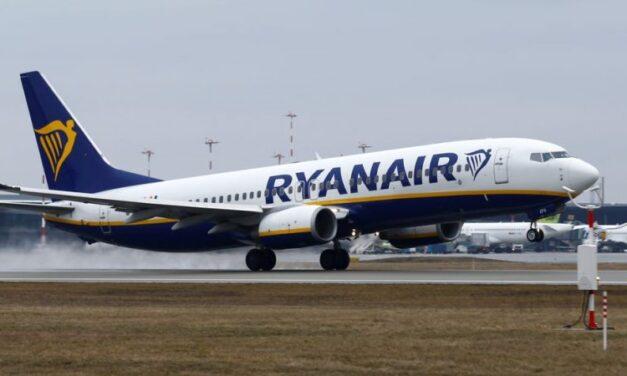 Ryanair are nevoie de 2.000 de piloţi după ce au început să-i fie livrate avioanele Boeing 737 MAX