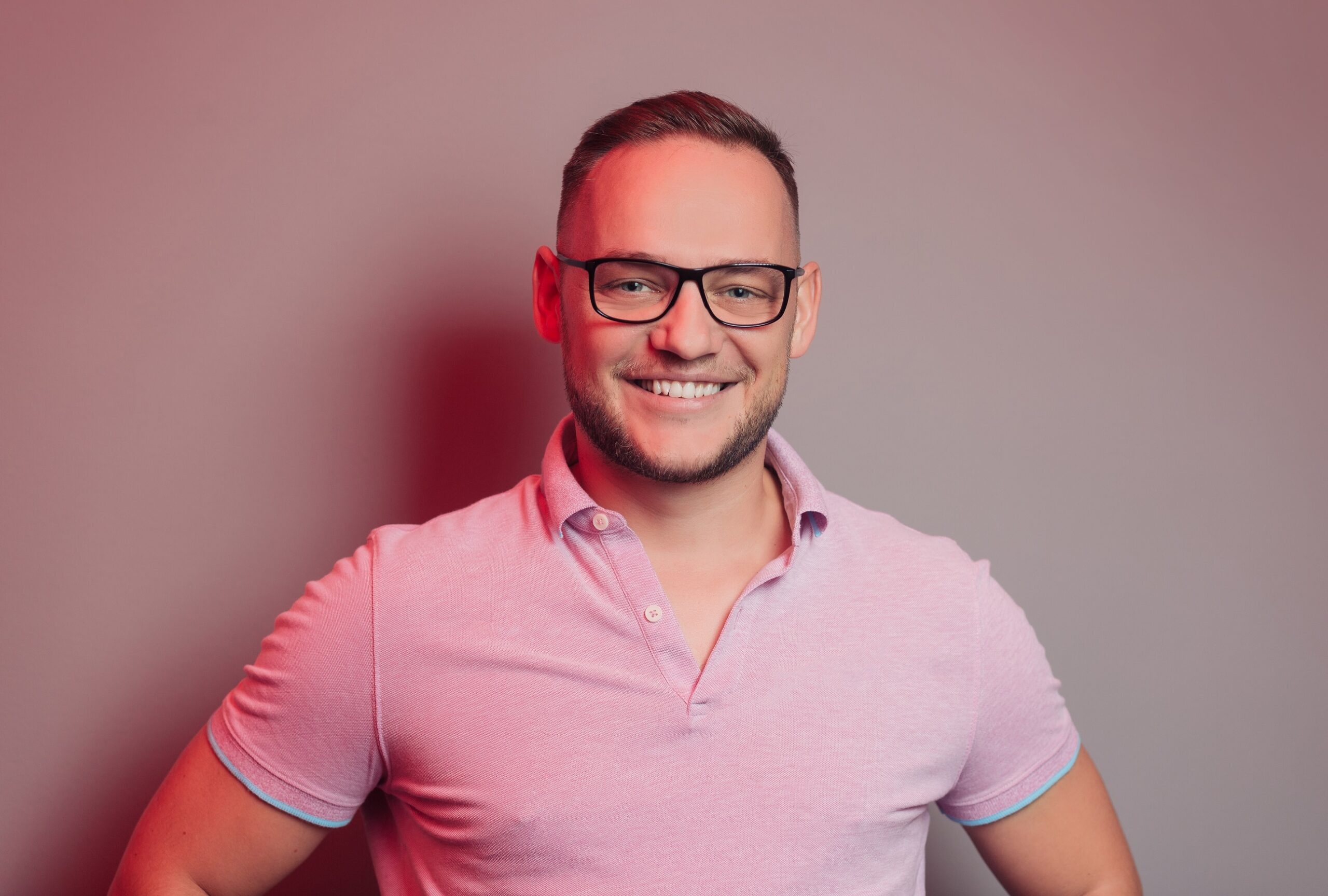 Sergiu Biriș lansează o platformă de cursuri online destinată antreprenorilor români din startup-uri care doresc să atragă finanțări de la investitori