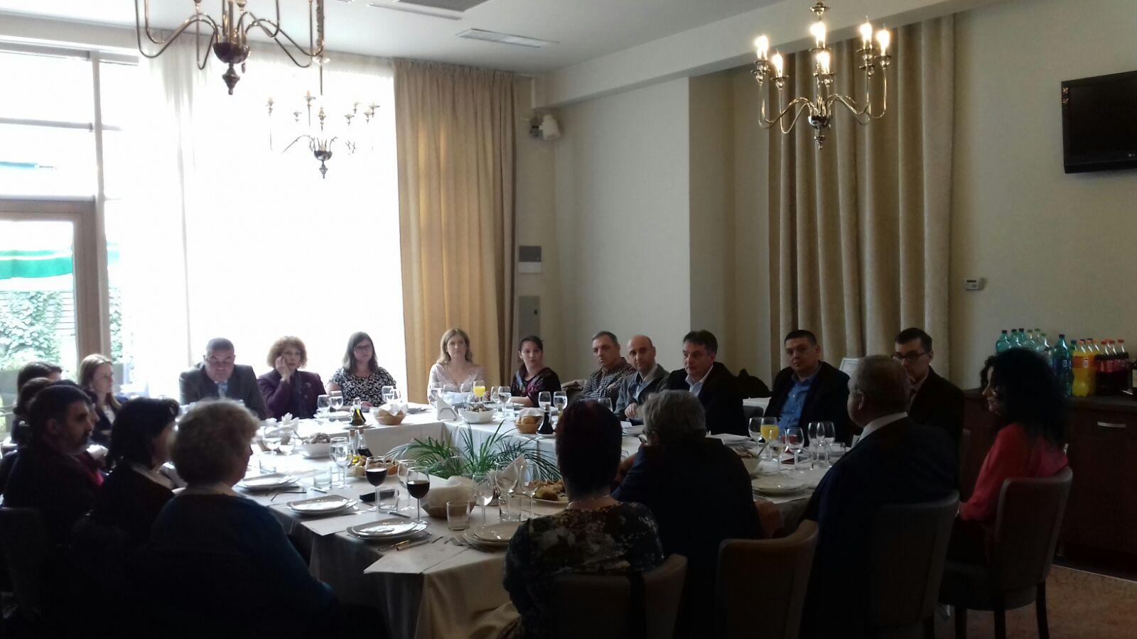 """Cea de-a doua dezbatere din cadrul programului """"Tratamente și tehnologii inovatoare în medicină"""" s-a desfășurat la Cluj"""