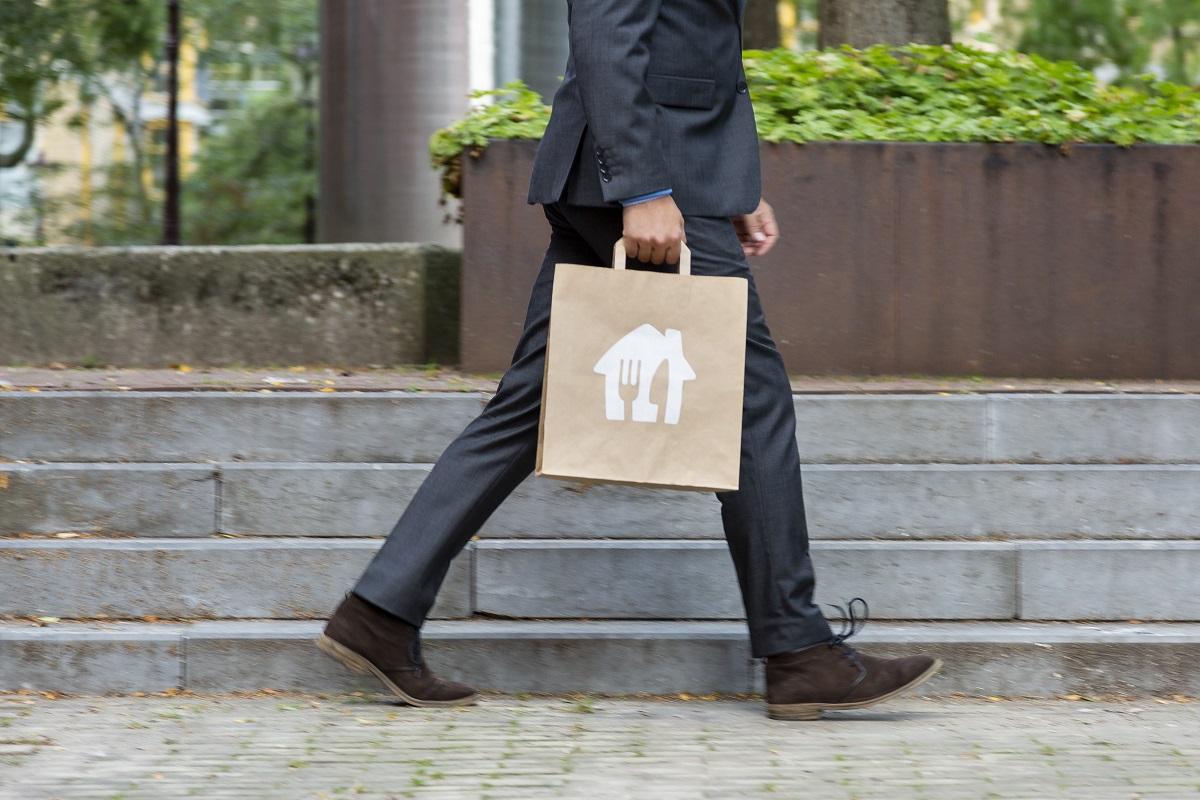 Takeaway lansează un serviciu corporate de tip indemnizație digitală pentru masă