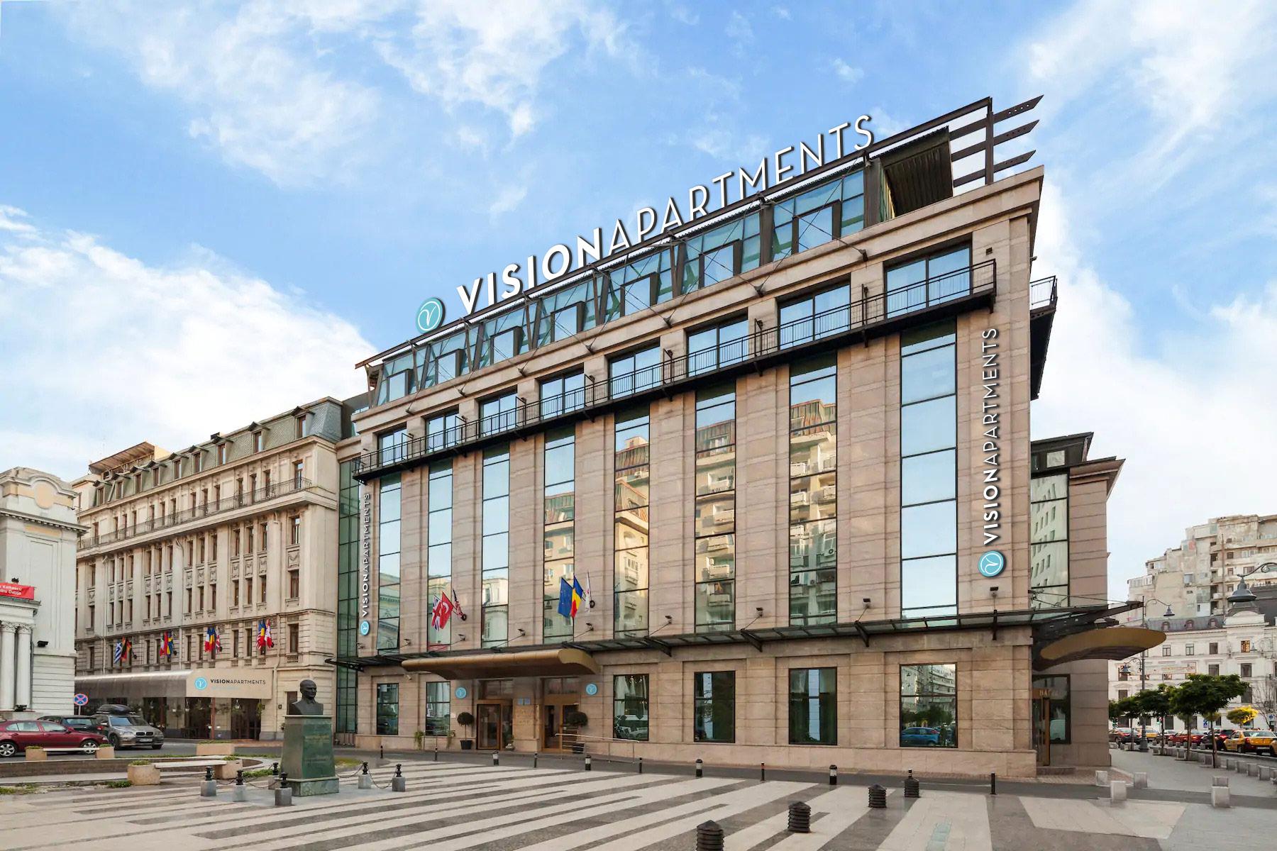 VisionApartments cumpără fostul hotel Ramada Majestic din București