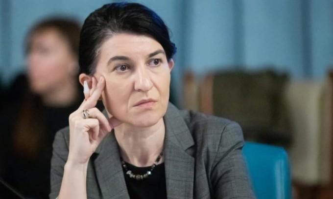 Violeta Alexandru: Angajatorii pot depune, din aprilie, solicitările pentru şomaj tehnic şi vor primi banii