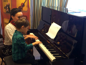 """""""A Piano in the Living Room"""", un eveniment Boem Club Pianos si Frasini Residence"""