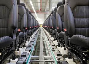 Adient produce la Pitești tapițerie auto pentru mai mult de un milion de mașini anual