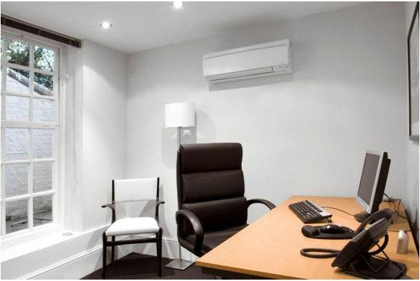 Aerul condiţionat la birou costă companiile între 0,7 şi 1,2 euro/mp/lună