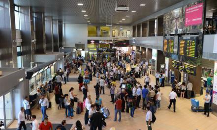 """Aeroportul """"Henri Coandă"""" a ajuns locul IV în topul aeroporturilor europene cu cea mai mare creștere a traficului aerian"""