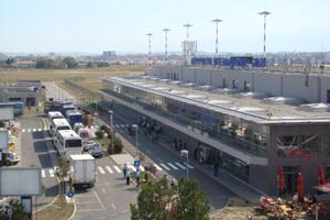 Aeroportul internaţional Sibiu anunţă creşterea, din martie 2016, a numărului de zboruri operate