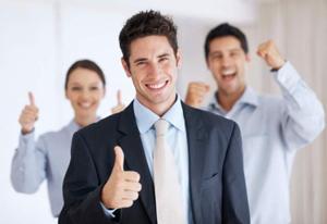 Angajaţii români din industriile creative şi media şi din bănci sunt cei mai fericiţi la serviciu