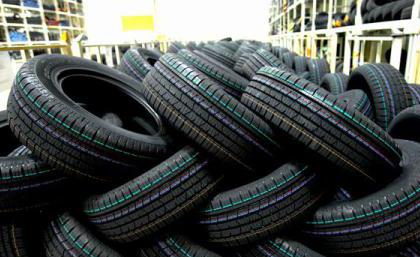 Vremea neobișnuit de caldă ar putea diminua cererea pentru anvelopele de iarnă, consideră grupul Continental