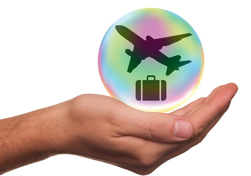 Agenţiile de turism încep să introducă asigurările de călătorie contra Covid-19