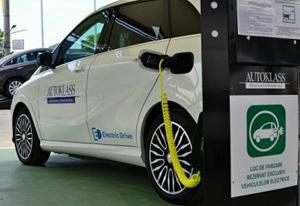 Autoklass a investit 25.000 de euro în prima infrastructură de încărcare a automobilelor electrice