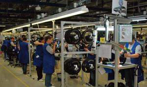 Închiderea uzinelor afectează peste un milion de lucrători din industria auto europeană