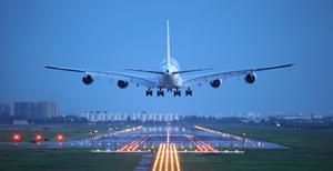 Veniturile companiilor aeriene ar putea scădea anul acesta cu peste 100 miliarde de dolari