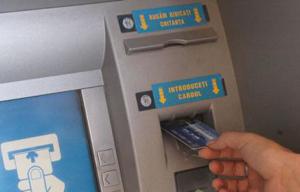 Băncile ar putea fi obligate să elimine o serie de comisioane aferente contului de plăți, inclusiv de depunere/retragere de numerar și administrare