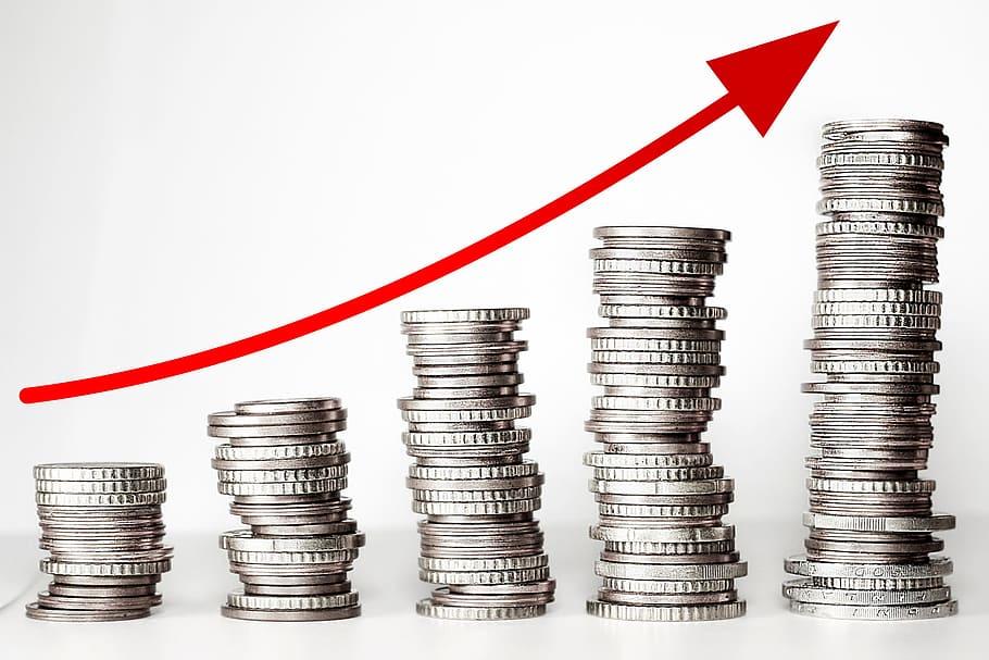 Salariaţii români din Pharma şi IT câştigă peste media pieţei generale
