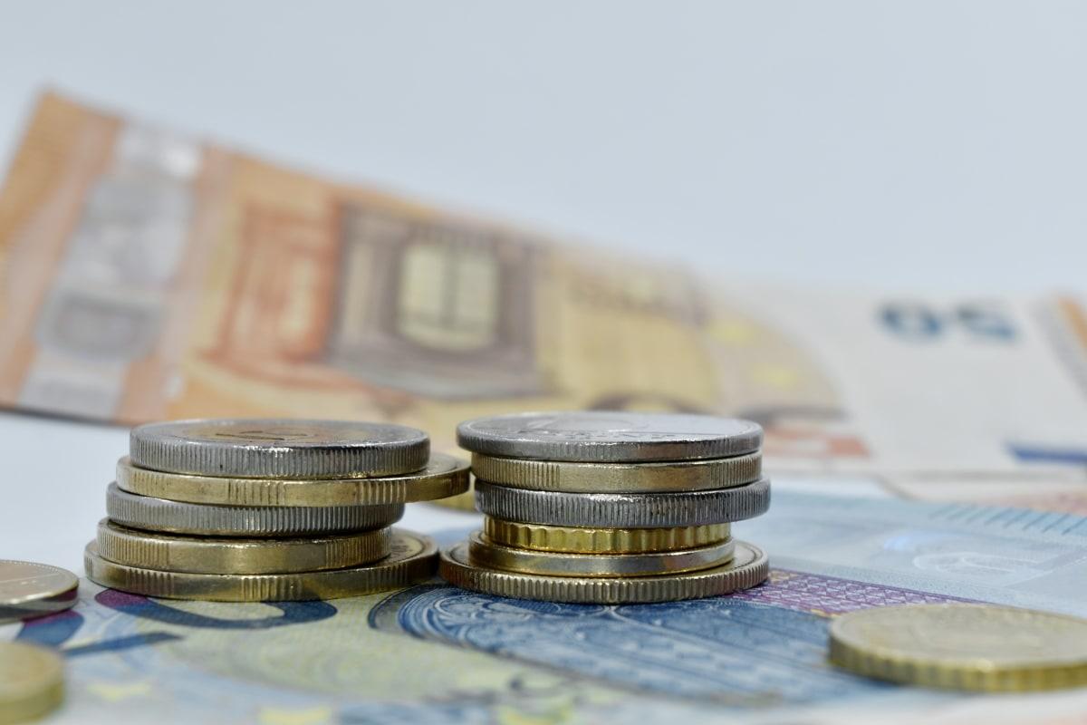 Estimare a Băncii Transilvania: Creditele vor creşte cu un ritm mediu anual de 5,2% în perioada 2021-2023