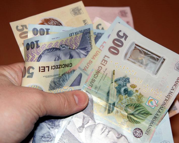 Subvenții lunare între 500 și 750 de lei pentru angajatorii care încadrează absolvenți