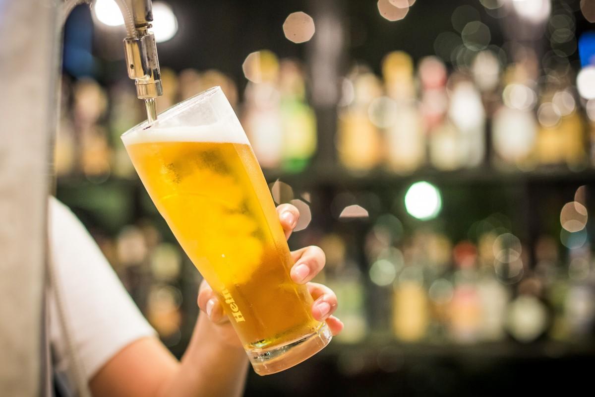 Pandemia deshidratează piaţa românească a berii
