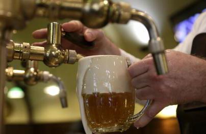 Consumul de bere a scăzut cu 10% de la declanşarea crizei Covid-19